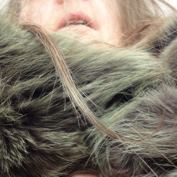 Mein Haar, mein Pelz, meine Haut